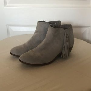 "Sam Edelman ""Paige"" Suede Fringed Ankle Bootie 5.5"